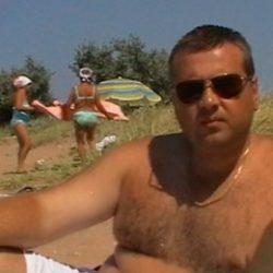 Парень, ищу верную девушку в Пятигорске, которая не предаст, надоело обжигаться, есть нормальные девушки